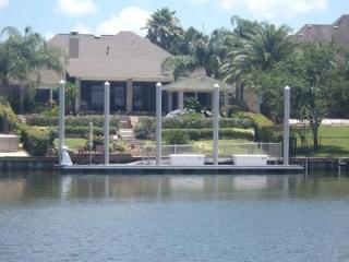 League City, TX floating dock with fiberglass pilings