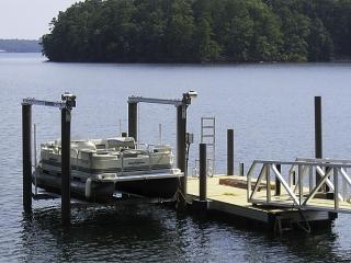 pontoon dock with fiberglass pilings