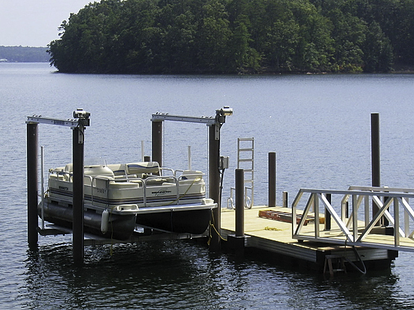 pontoon dock with fiberglass pilings