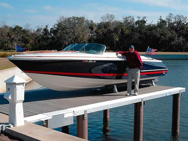 boat lift in Florida with fiberglass and composite pilings