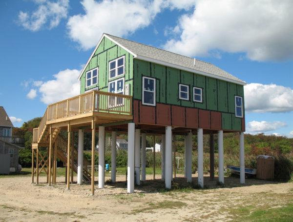 Mattapoiset, Massachusetts home with fiberglass pilings foundation